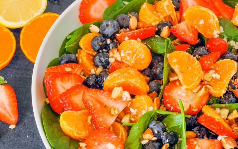 citrus, berry, and spinach salad