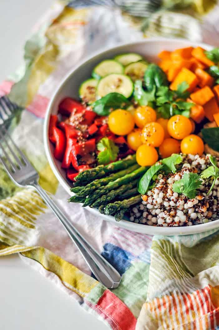 vegan buddha bowl with veggies and quinoa