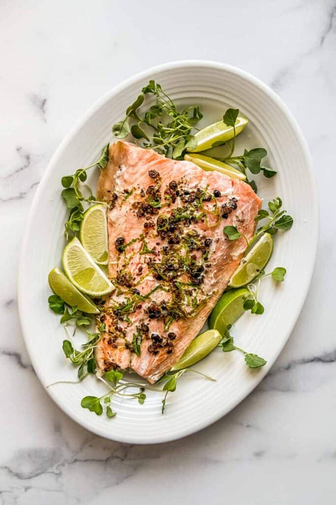 juniper berries salmon on a large plate
